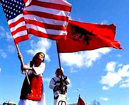 Flamuj Shqiptar & Amerikan