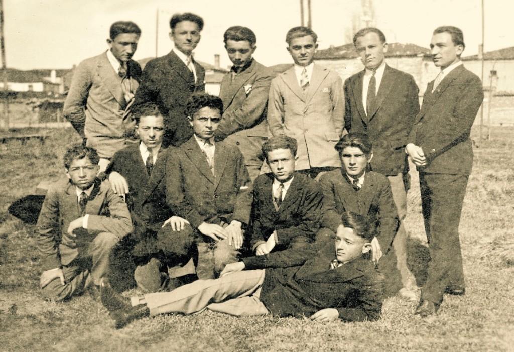 Bashkëliceistë në Liceun Francez të Korçës. Viti 1928.