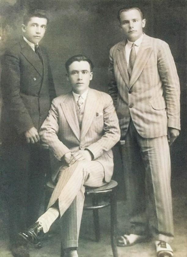 Bashkëliceistë në Liceun Francez të Korçës, Myslim Çarçani, Hasan Rami, Abdulla Rami - Viti 1928
