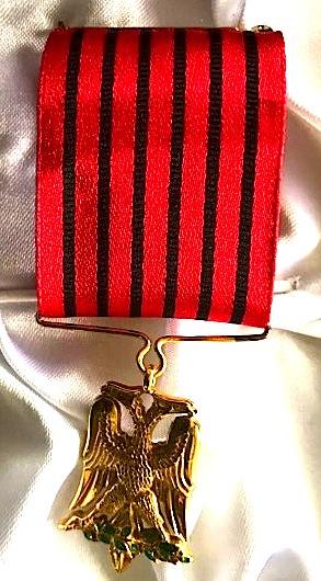 """""""Medalja e Artë e Shqiponjës"""" - Medalja e Ilir Demalisë"""