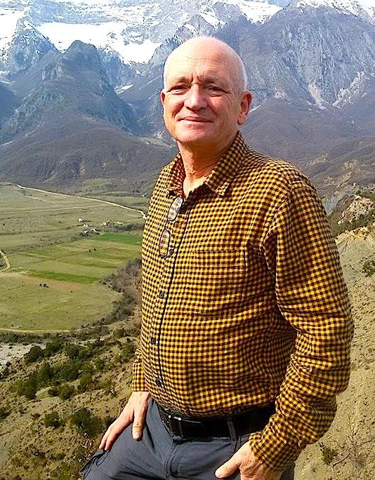 Robert Elsie mes Alpeve shqiptare