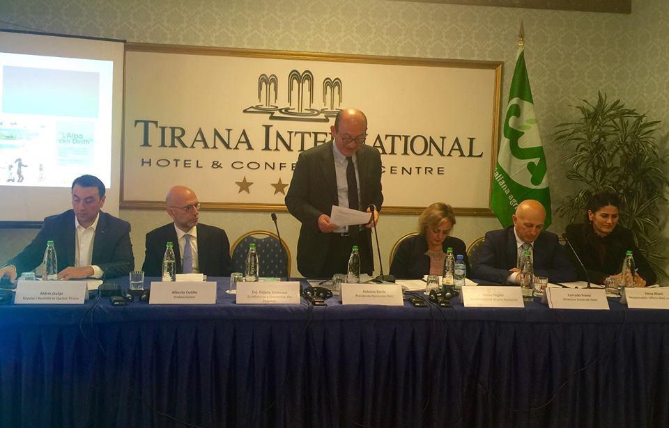 Presidenti  italian  i Inac-ut Antonio Barille, në konferencë