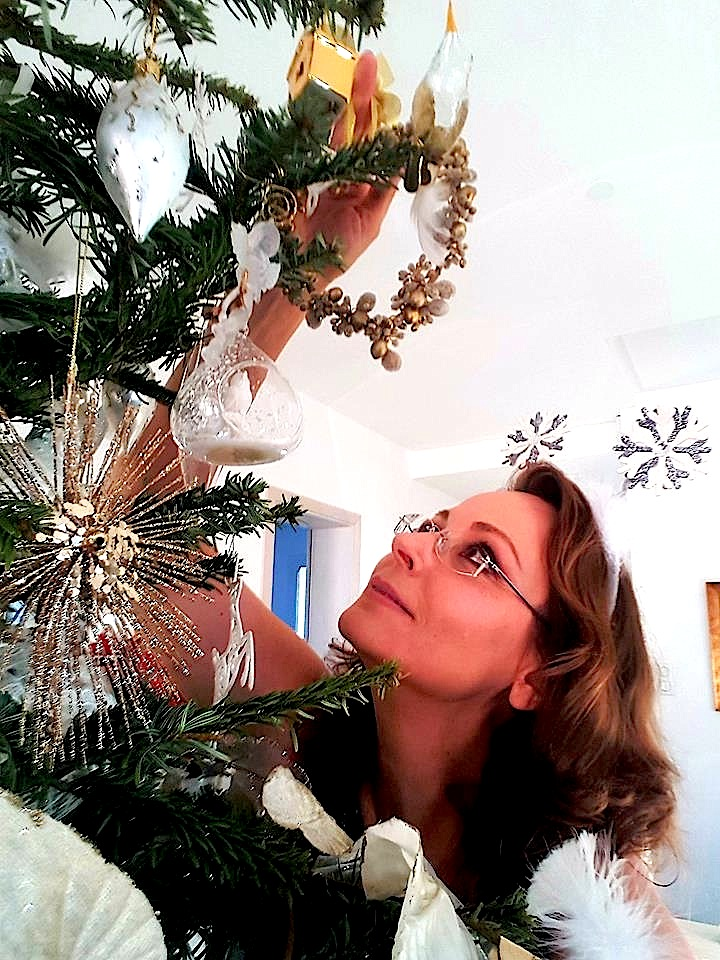 Anissa Markarian - Pema e Krishtlindjeve