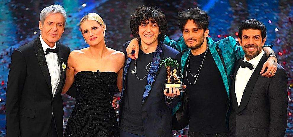 Sanremo 2018 - Fitues dhe Prezantues Baglioni - Hunziker - Meta - Moro - Favino-