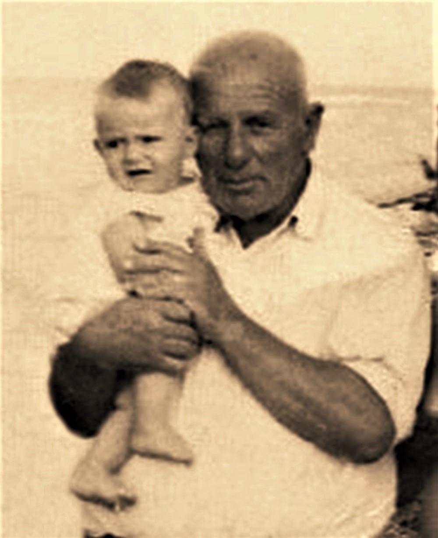 Në krahët e një gjyshi të rigjetur - Viti 1972