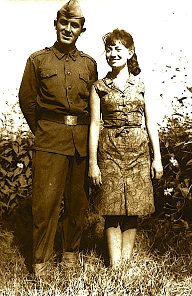 Vilson Blloshmi dhe kushërira e tij piktorja Lumturi Blloshmi