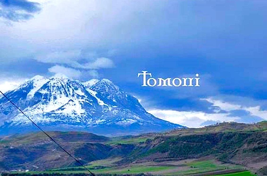 Pamje e Malit të Tomorrit