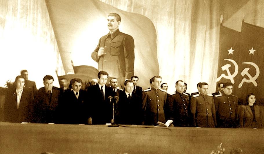 Vdekja e Stalinit dhe diku në skaj Liri Belishova