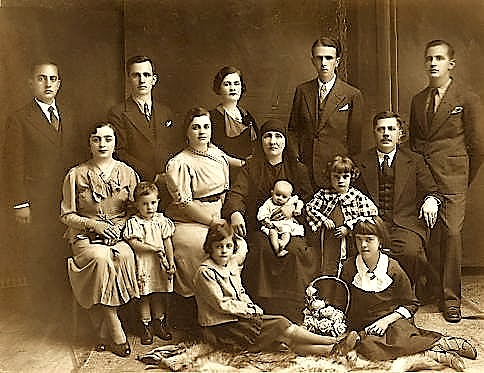 Familja Merdani (para K.)