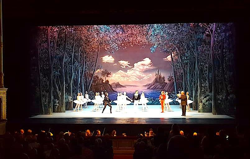 Shën Pjetërburg - Teatri  Aleksandrinski (foto P. Turdiu)