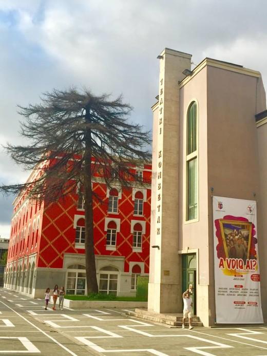 """Sheshi i Teatrit Kombëtar - Drama """"A vdiq Ai"""""""