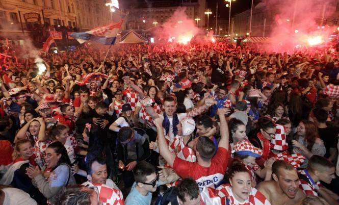 Festa Kroate... e mbrritjes në Finale të Botërorit 2018
