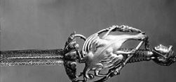"""Shpata """"Ensis"""" e Gjergj Kastriotit, dhuruar nga Papa Pali II. (Ndodhet në Muzeumin e Palazzo Reale të Kapodimonte, Napoli)"""
