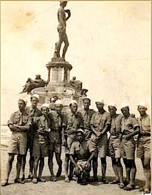 Studente shqiptare ne Firence - Gusht 1937 - Lazer Radi, i katerti djathtas