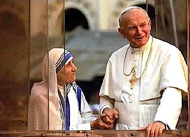 Papa Gjon Pali II dhe Nënë Tereza në Tiranë, në vitin 1993