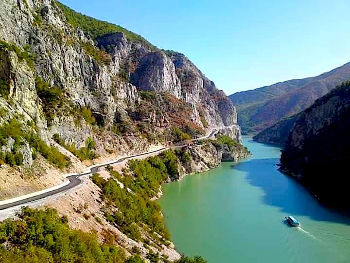 Rruga për fshatin Salcë, Krahina Nikaj-Mërtur