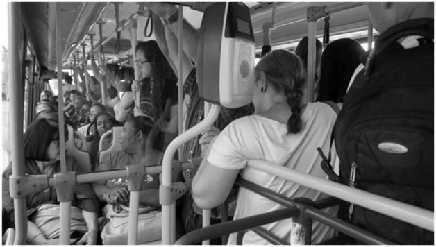 Në autobuz