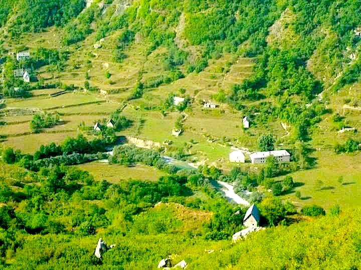 Pamje nga Krahina  Nikaj-Merturit