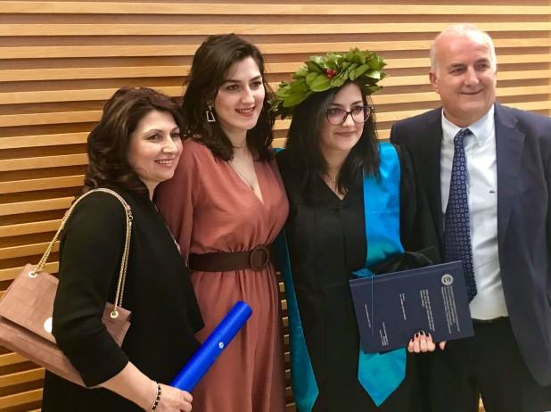 Familja e Ana Radit - ne Bocconi 2019