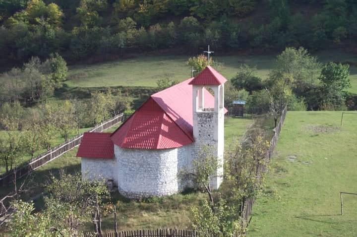 Kishë në Mikaj-Mërtur