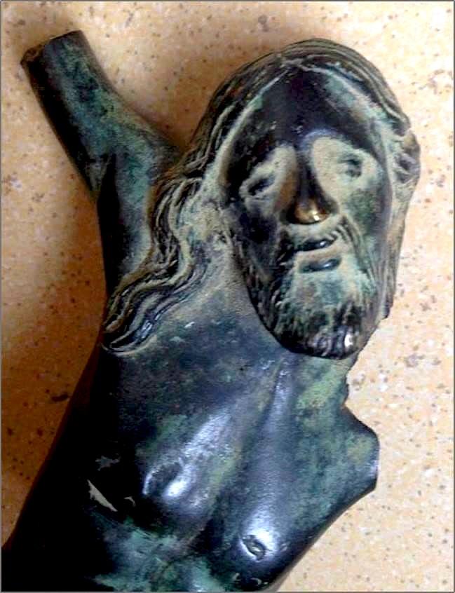 Fragment i statuetës të Jezu Krishtit i kryqëzuar, në bronz, e shek. VI-X