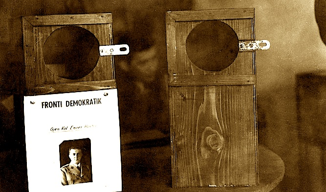 Kutitë e votimit në 2 dhjetor 1945