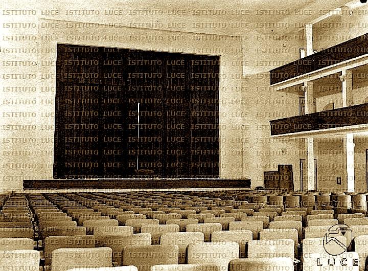 Arkitektura e Teatrit Kombetar 1940 (Inst. Luce 3)