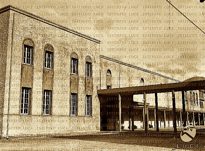 Arkitektura e Teatrit Kombetar 1940 (Inst. Luce 2)