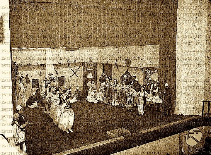 Arkitektura e Teatrit Kombetar 1940 (Inst. Luce 6)