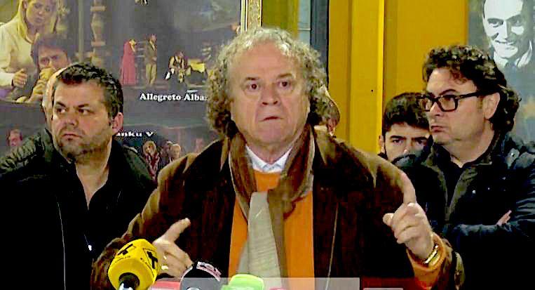 Aktori Bujar Asqeriu shperthen...