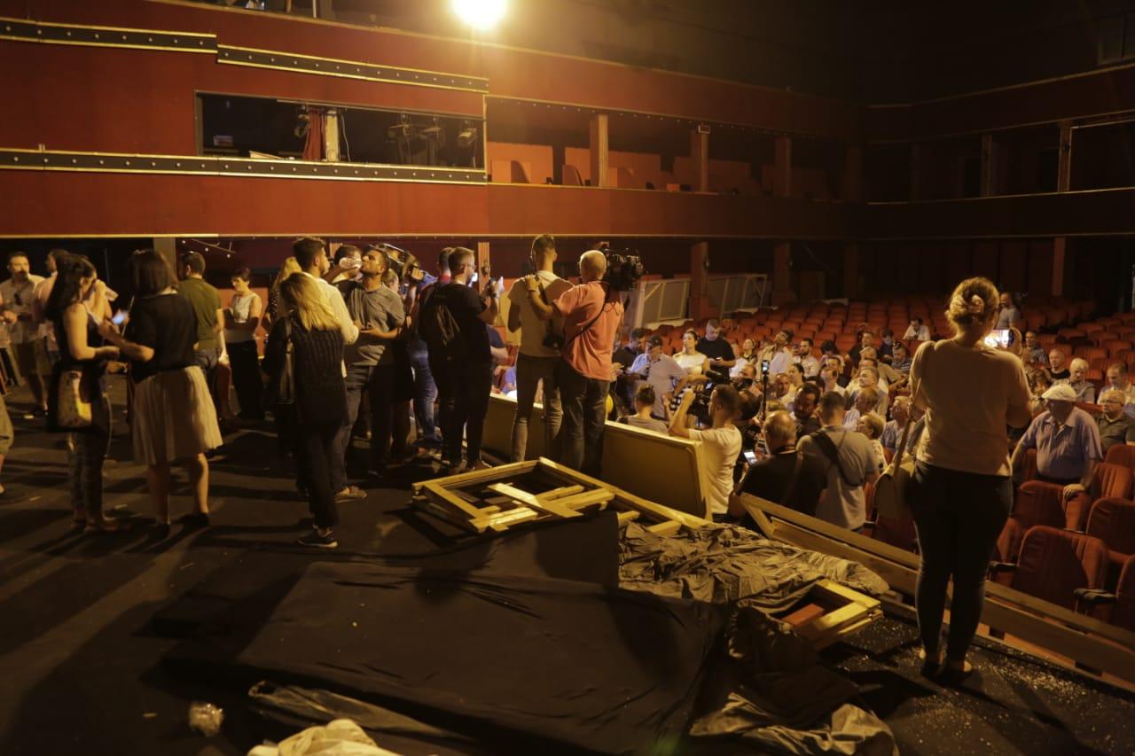 24 korrik 2019 - Në mbrojte të Teatrit Kombëtar