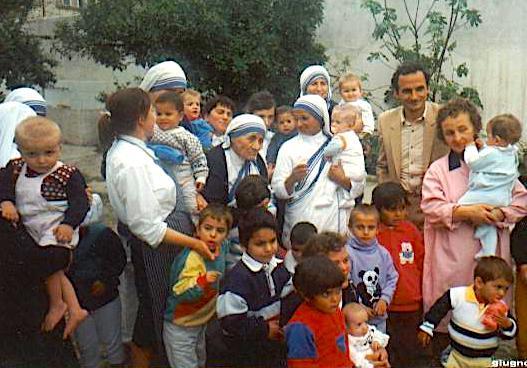 Nënë Tereza në Elbasan 1992