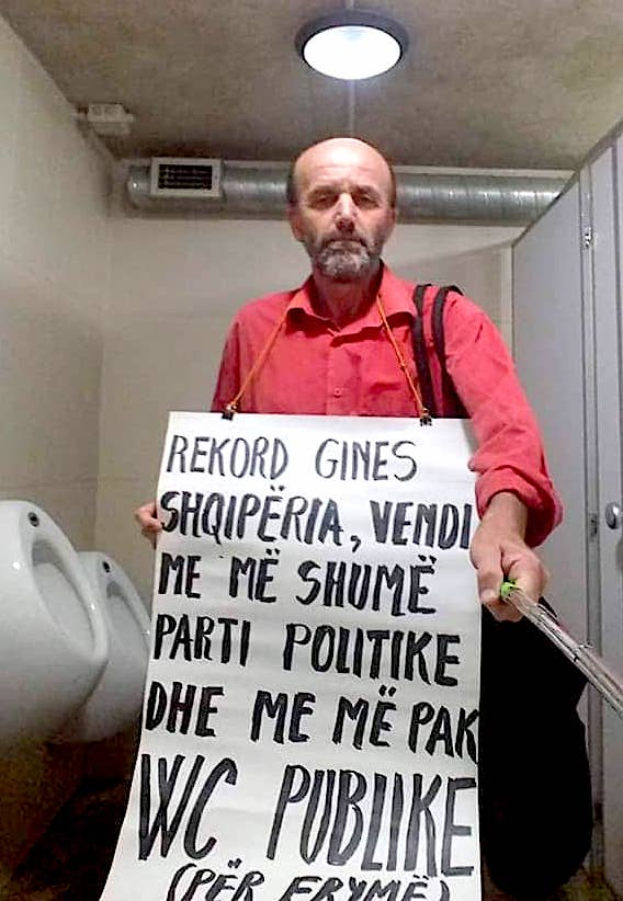Vetmitari i Protestës Dinjitoze 7