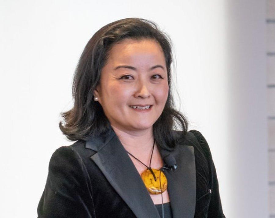 Yuri Kim -  Ambasadorja Amerikane ne Tirane