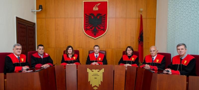 Gjykata Kushtetuese - që mungon prej kohrash që s'mbahen mend