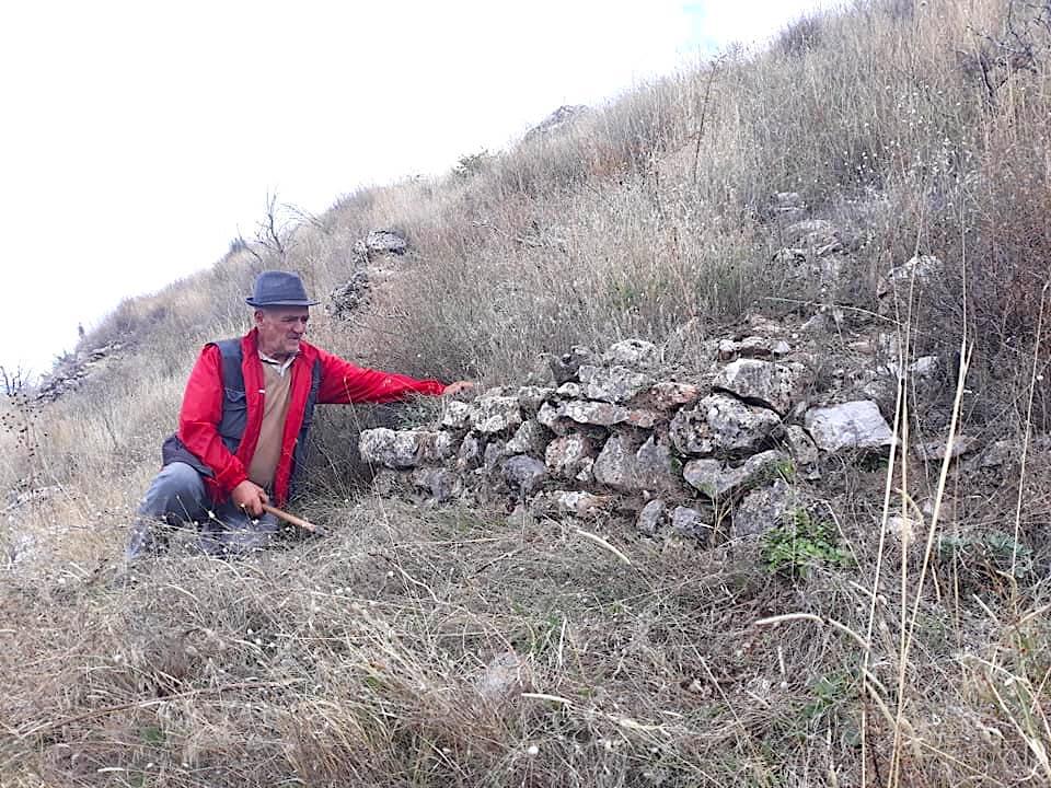 Muret e mbetura nga koha