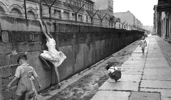 Muri i Berlinit 1961-1989 - Fëmijët pranë Murit