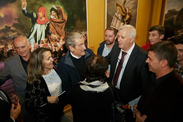 Duke biseduar me Presidentin Berisha per emocionet e Ekspozites