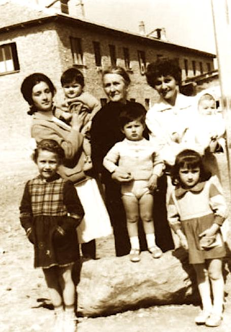 Albina Pervizi - me kater femije, vjerren Ana dhe Kunaten Beba