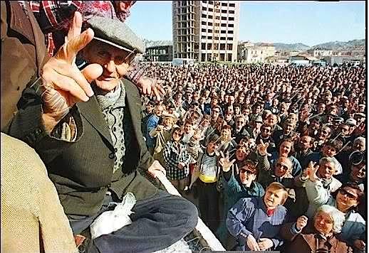 Vlora - Protestat e Shkurtit 1997