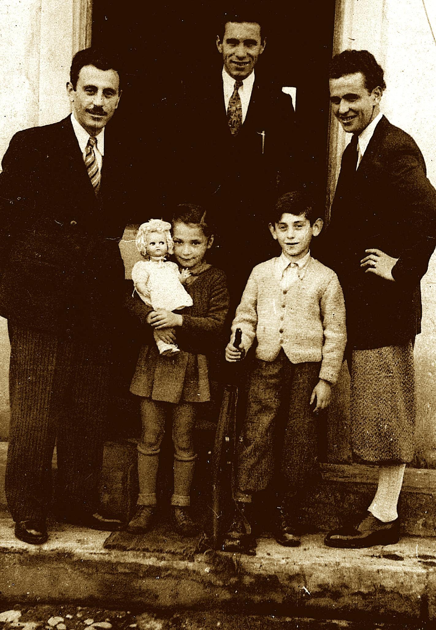 Familja Hebreje e Esther Alteratz, që u shpëtua në Shqipëri