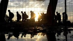 Emigrantë në kufirin grek