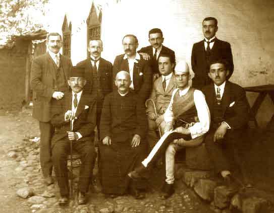 Ndre Mjeda mes deputetëve të Shkodrës