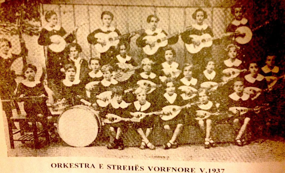 Orkestra me nxënëse te Strehës Vorfnore