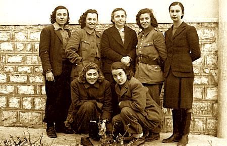 Partizane ne vitin 1944... mes tyre Xhuglini, Gega etje
