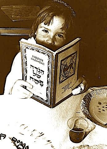 Nje femije hebre duke lexuar