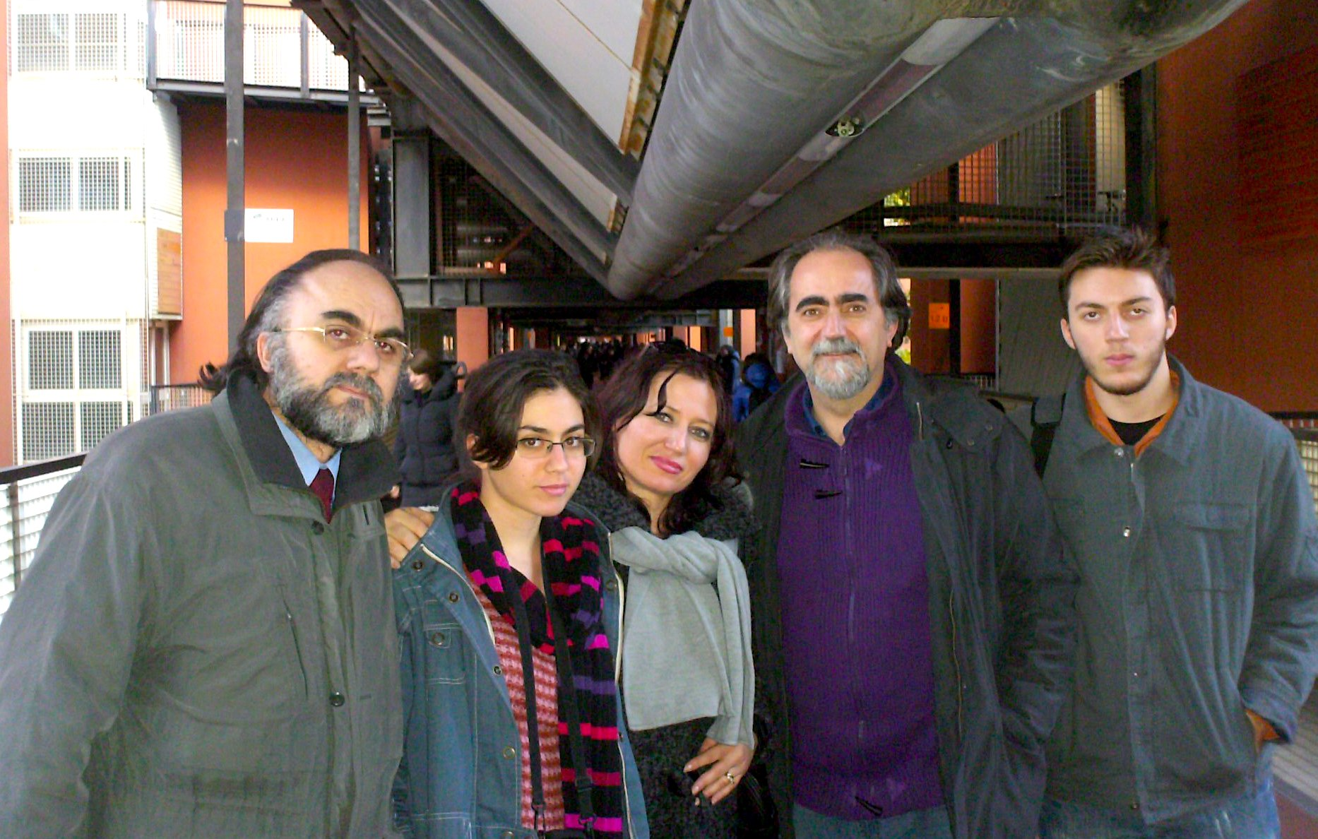 Gianni Beluscio me Kristaq Jorgo, Edlira Birko dhe dy femijet