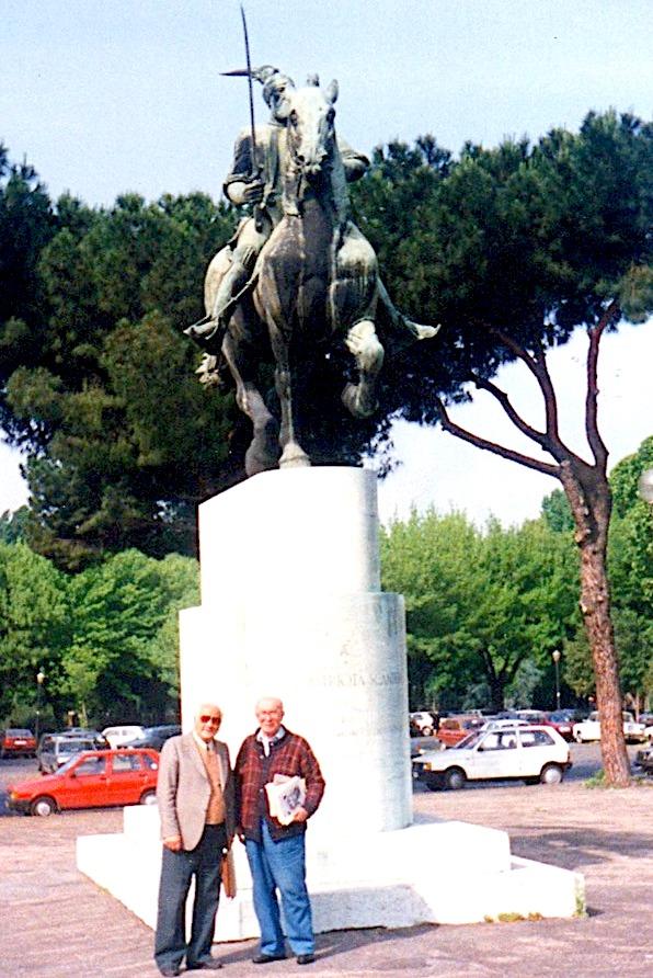 Lazër Radi dhe Petro Vuçani (kunati i Koliqit) - Romë qershor 1991