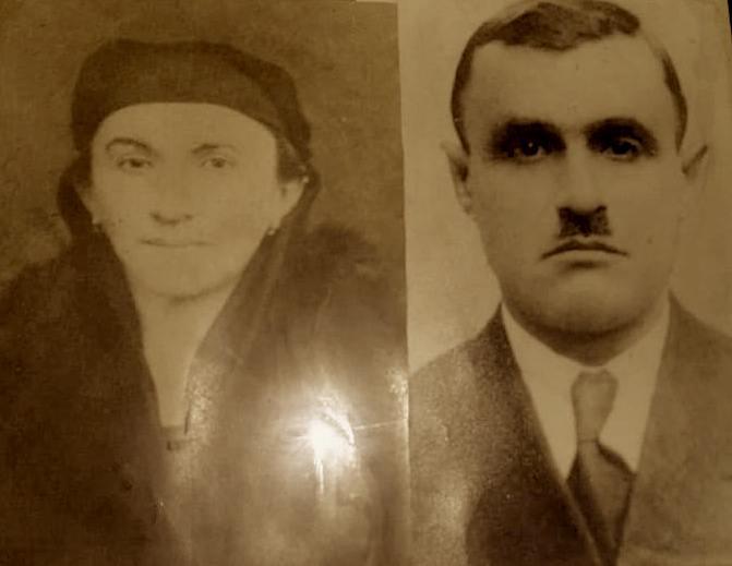 Av. Neki Xheneti ketu ndodhet me gruan e tij, z. Feride, bije nga familja e nderuar gjirokastrite Zazani, kushërirë e parë me dr. Enver Zazanin (i pushkatuar me Grupin e Deputetëve).