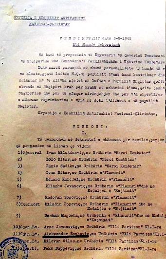 Jugosllavët e dekoruar nga Enver Hoxha